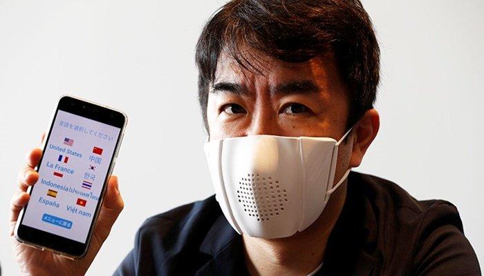 Sekiz dilde çeviri yapabilen maske üretildi!