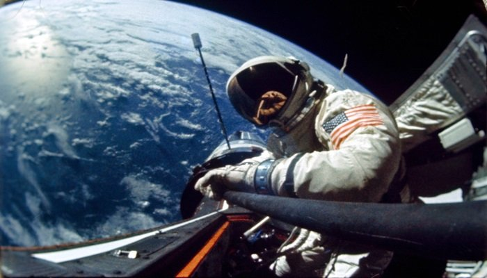 SpaceX'in uzay yolculuğu ertelendi