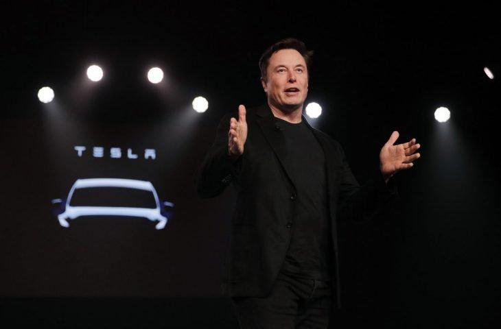Tesla'nın Cybertruck'ı 21 Kasım'da görücüye çıkıyor