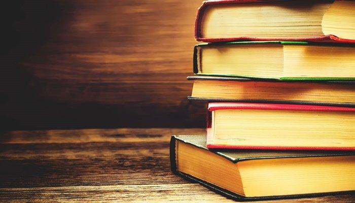 Tıp Hekimi ve Akademisyen Hasan Erbay yaşanmış tıp öykülerini kitaplaştırdı.