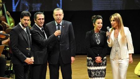 Erdoğan, Aşık Veysel'in türküsünü söyledi