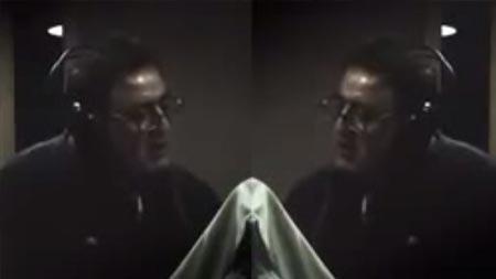 Mahmut Tuncer'in İngilizce şarkısı