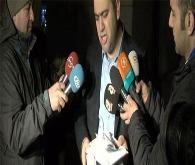 Akyürek'in avukatı adliye önünde TCK kitabını yırttı