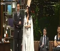 Beyaz'dan Hande Yener'e Sebastian klibi